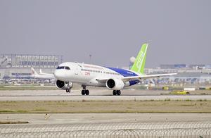 国产大客机C919在南昌首次表演,或被称为划时代的中国工业结晶