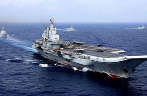 美国军舰连续两日来南海骚扰,中国出动航母编队,警告别兴风作浪
