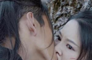 太可怕了!丑男拍吻戏用力过猛 竟把美女的嘴和鼻子亲变形