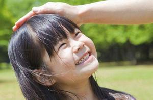 孩子长期缺少家长陪伴,情况有多糟?婴幼儿时期父母爱缺失难弥补