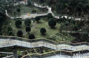 重庆再现魔幻建筑,利用高低落差的独特设计,还被称为地狱小区