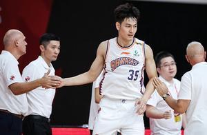 今晚!CBA两大总冠军球队正面交锋,川军有望击败上海夺第二胜