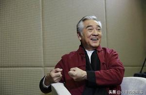 73岁秦沛曾因一本电影杂志得好莱坞青睐,初入片场即被震撼