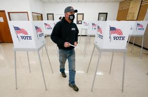 特朗普又输一局!美国大选早期投票结果曝光,拜登或躺着都能赢?