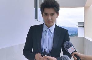 吴亦凡为央视活动演唱大碗宽面,魔鬼镜头下,生图如何一目了然