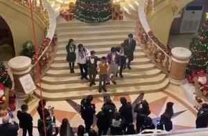 刘昊然《明侦6》首期变最帅!穿紫色太惊艳,圣诞特辑全员开挂