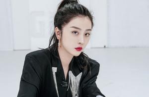 青你2赵晓棠自曝整容,直言哪个艺人不微调,一旁孔雪儿表情亮了