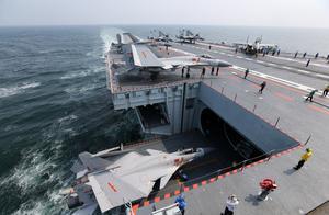 中国航母双剑合璧,可从不同方位挤压台湾军力