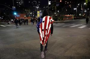 """""""两个美国""""正在形成?美媒哀叹:美国的未来正走向伊拉克"""