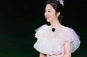 """谭松韵穿""""新娘装""""有多美?当她出镜第一秒,张新成眼神就看直了"""