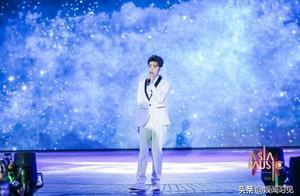 张云雷参加音乐盛典,主办方不让走红毯,是不认可他的音乐吗?