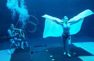 《阿凡达2》曝水底新片场照,《泰坦尼克》女主称最长憋气7分钟