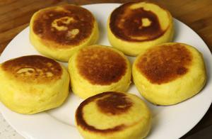 做南瓜饼时,用面粉还是糯米粉?大厨教你正确做法,香甜软糯