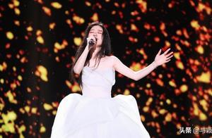 单依纯好声音总冠军,听她5年前唱歌,网友:才13岁就不得了了