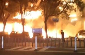 悲痛!江苏常州一商铺突起大火,引燃周围20多家商铺,致2死5伤