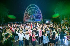 万鬼齐聚,全城共嗨!欢乐谷万圣节狂欢开幕,成都一夜变空城!
