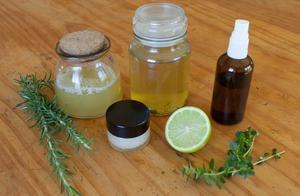 材料简单,掌握这8种配比,在家就可以调配自己喜欢的洗发水