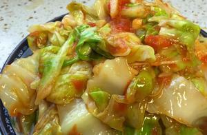 这才是手撕包菜最好吃的做法,鲜嫩多汁又解馋,简单的下饭菜