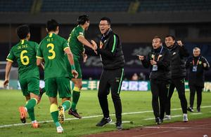 中超疯狂2-1!国安迎5年最关键胜利,韩国主裁+马宁又惹争议