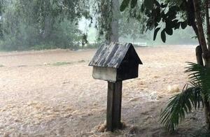 强降雨来袭 澳大利亚昆士兰州东南部多城市发生短时洪水