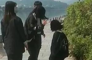 被迫下跪、遭殴打,桂林14岁少女校外遭欺凌?警方通报