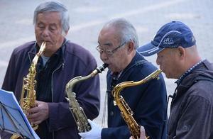 上海百岁寿星首破3000人 最高寿老人113岁