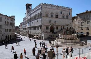 意大利小镇为吸引移民 奖励入住外国人9000欧元