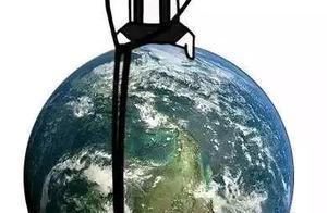 花钱减压 《流浪地球》40亿大爆,中式科幻弄潮赛博朋克风