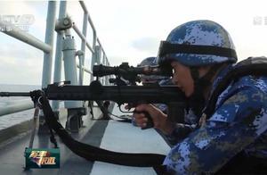 海军护航编队实弹射击演练 锤炼遂行多样化军事任务能力