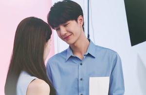 #王一博对女生的感觉#说好的慢热呢?一见面就搂搂抱抱!