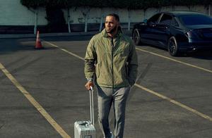詹姆斯:我出行带两个旅行箱,其中一个专门用来装鞋子