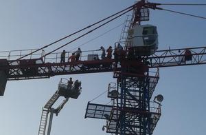 敬佩!诸暨医生徒手爬上35米塔吊机救人