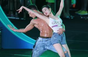 盘点跟韩国明星一样引人注目的伴舞