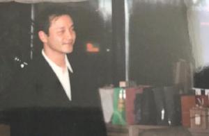 张国荣63岁冥寿,唐鹤德发22年前珍藏照缅怀,配文让人泪目