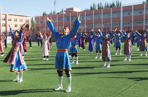 内蒙古一中学课间操跳蒙古舞受关注