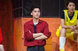 《我要打篮球》球皇赛全新出击,李易峰熊抱杜锋 邓伦为林书豪庆生