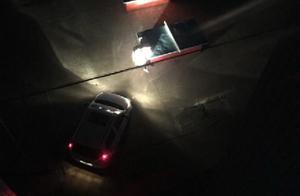 突然遭遇停电,信阳这些老师用汽车大灯照明批改卷子