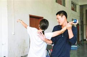 """12岁女孩打破24年""""封印""""刷新乐清市小学女子甲组跳高纪录"""