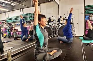 一开课就爆满!杭州有个65岁的奶奶教练,学生都是80、90后