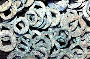 埃及将交还30余枚走私中国古钱币