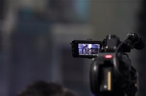 李佳琦回应直播带货新规:主播要对消费者负责,对团队严格规范