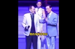 钟南山袁隆平同台视频火了!钟老还问了他一句话...网友: