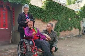 31年,农村夫妇捡回脑瘫弃婴,半生不弃