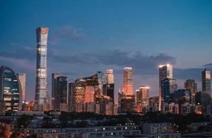 与上海GDP差距逐年缩小,十四五时期北京能否逆袭超越上海?