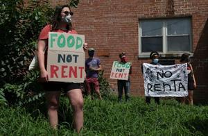 美国救助法案到期 数千万租客面临被驱逐