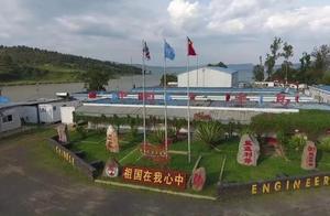 """湖南卫视6:00播出《为和平而来》第二集《使命必达》!中国维和工兵分队与死神埃博拉较量,抢修一条人道救援的""""生命通道"""""""