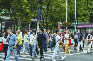 """""""礼让行人""""下,驾驶员如何不""""空等""""?上海500个路口多了右转信号灯"""