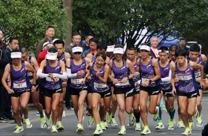 刷屏!2小时26分21秒,浙江马拉松30年最好成绩!今天16个跑友干了件大事