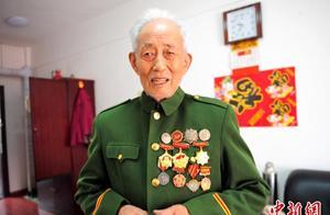 96岁志愿军老战士孙景坤:多次赴朝作战 身负20余处伤疤