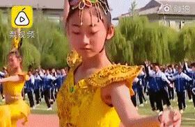 """课间操跳""""飞天舞""""?别人家的学校又火了……"""